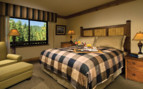 Double bedroom at Tenaya Lodge hotel
