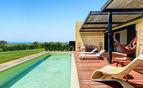 Villa Iris pool