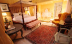 The deluxe bedroom at Villa Mangiacane