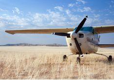 Schoeneman Skeleton Coast Flying Safaris, luxury camp in Namibia