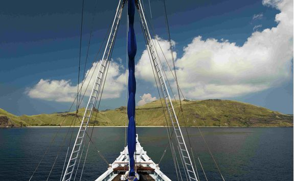 Boat cruise, Komodo Islands
