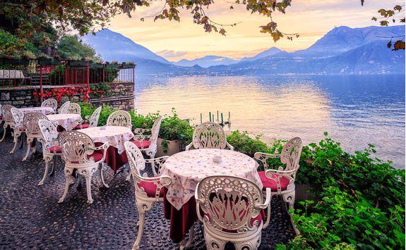 lake como dinner