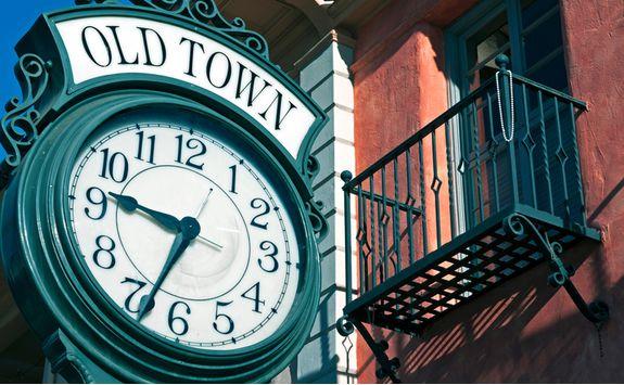 sidewalk clock old town santa barbara