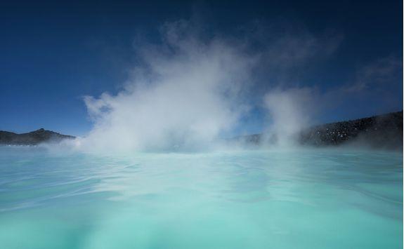 blue lagoon steam