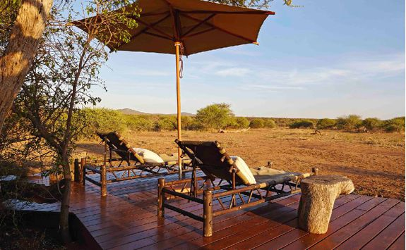 Relaxing, Madikwe Game Reserve