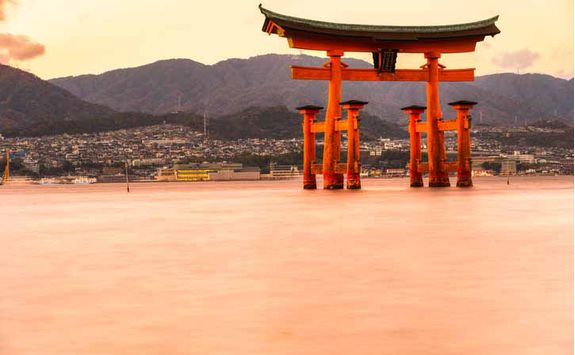 Floating torii gate on Miyajima