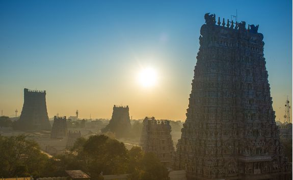Minakshi temple madurai at sunrise