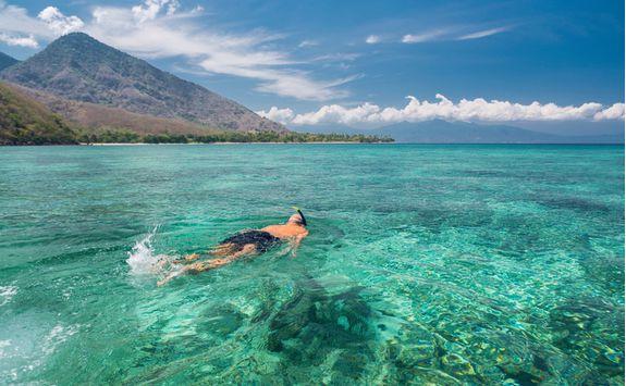Snorkelling in Komodo