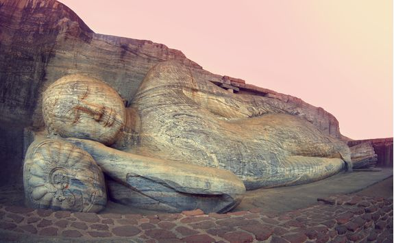 Polonnaruwa budda statue