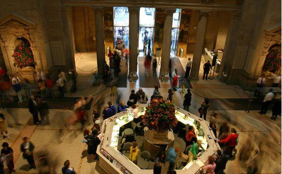 Met museum entrance