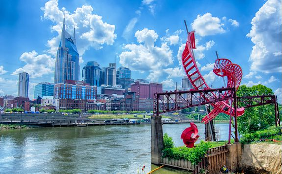 tennessee downtown skyline at cumberland river