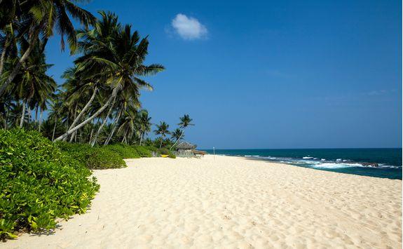 tangalle sunny beach
