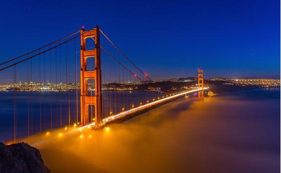 golden_gate_bridge_at_night