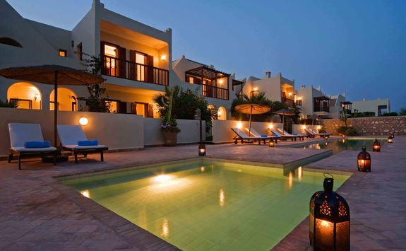 Swimming pool at Rebali Riads