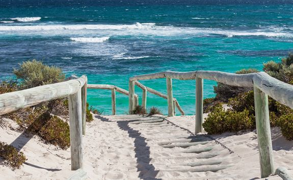 A way to the Rottnest Beach