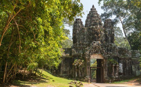 Gate Angkor Wat temple
