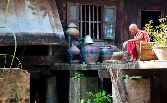 Monk washing pots
