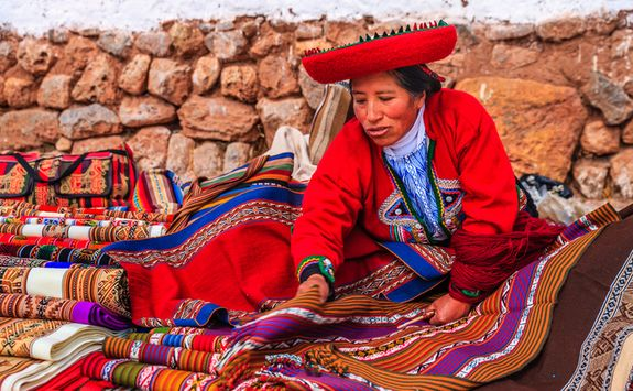 Women selling souvenirs in the Sacred Valley