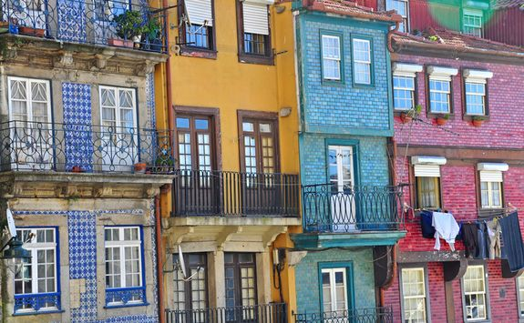Colourfull houses in Porto