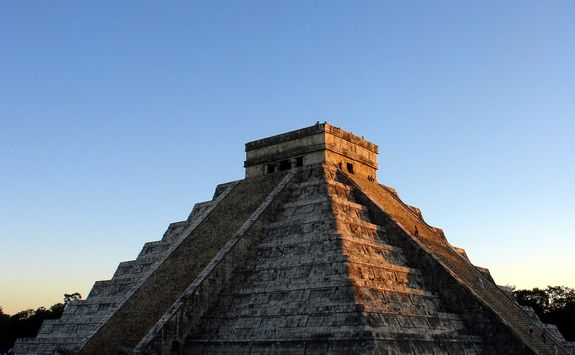 sunrise at chichen itza