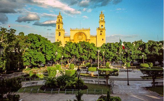 merida city square