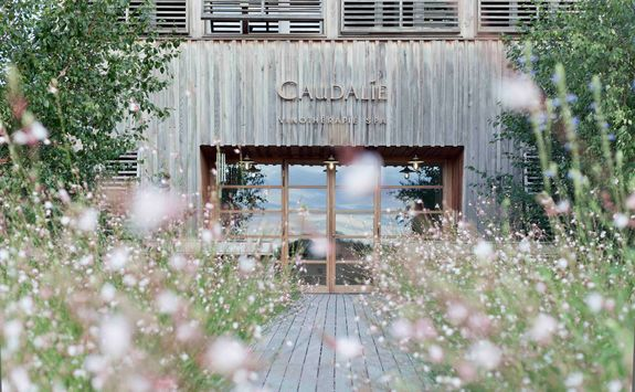 Les Sources de Caudalie spa entrance