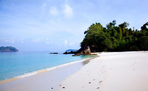 Pristine sand on Wa Ale Island