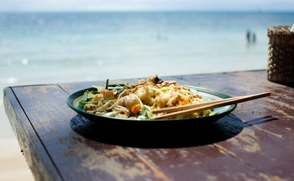 Pad Thai on the beach