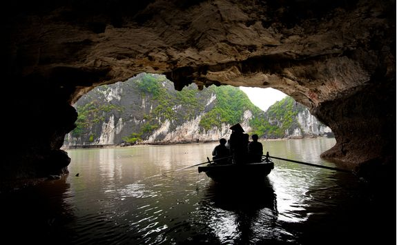 Vietnam caves and water