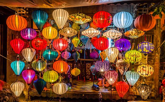 traditional lanterns in hoi an