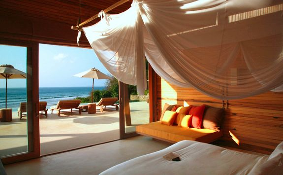 Bedroom villa at Six Senses Con Dao