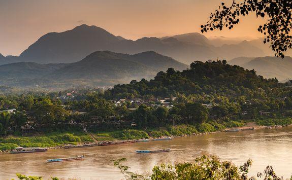 river luang prabang