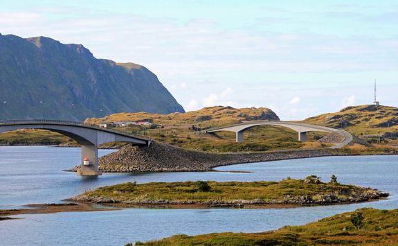 Road and bridges in the Lofoten islands