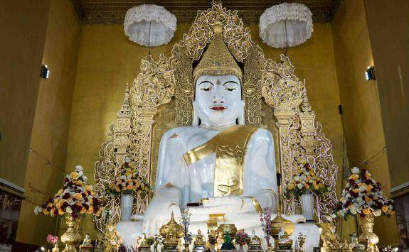 Buddha at Kyauktawgyi Pagoda