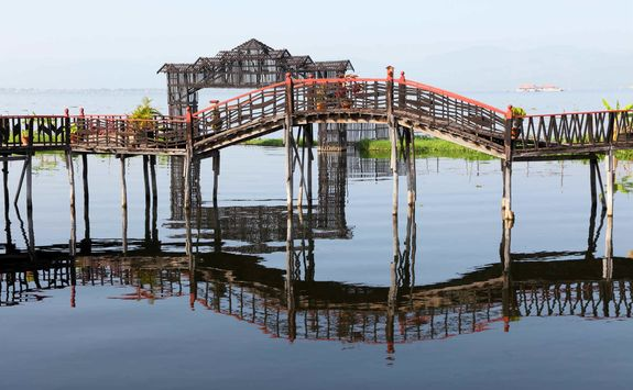 Bamboo bridge, Lake Inle
