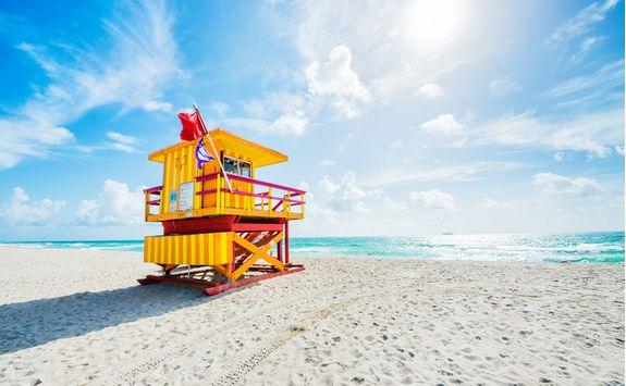 Miami beach life guard hut
