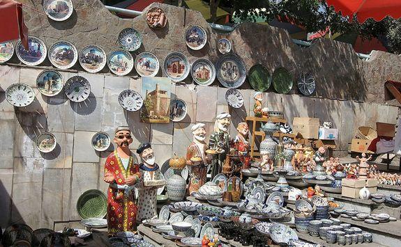 ceramic market in Tashkent
