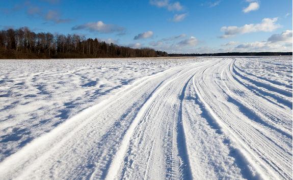 Ice race track