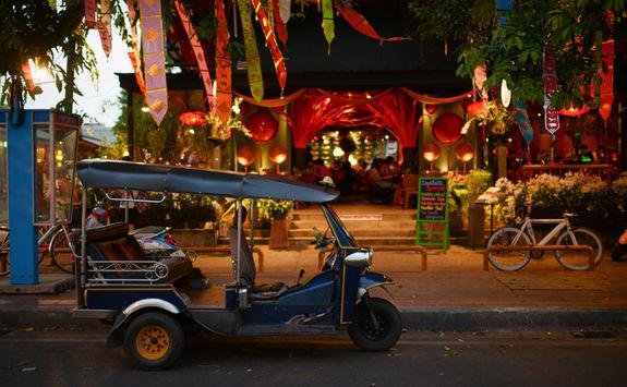 bankok night restaurant