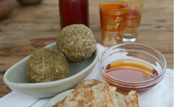 Omani honey saj bread