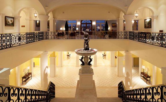 Yeatman lobby