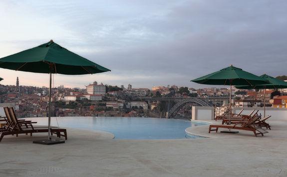 Yeatman outdoor pool