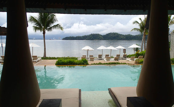 Gaya Island Resort Pool
