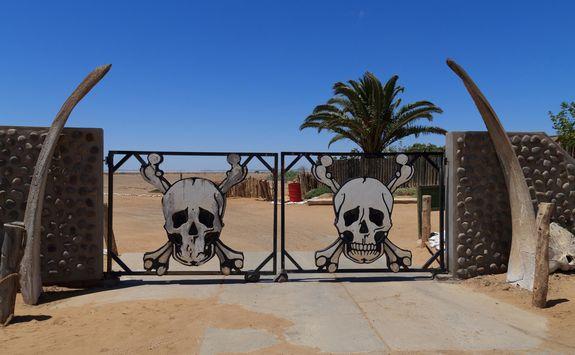 skeleton gates