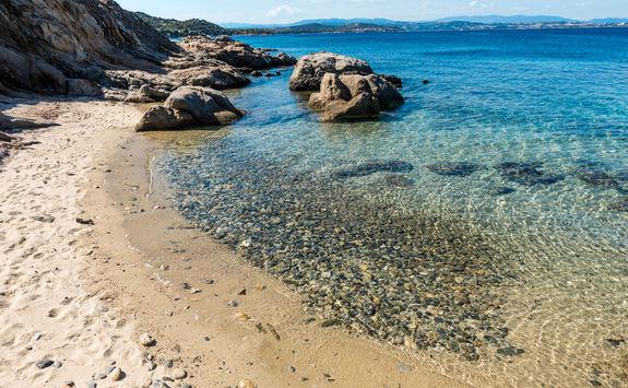 rocky island halkidki