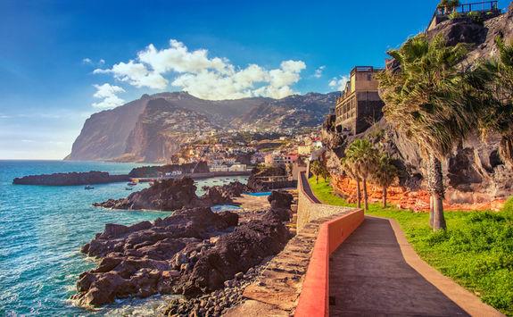 Promenade walk into Camara de Lobos