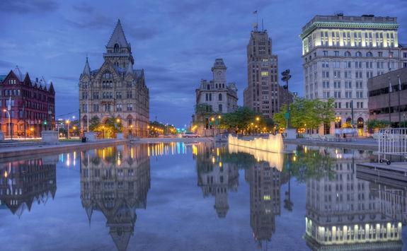 Syracuse by night