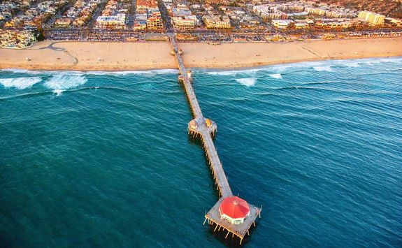 huntington beach pier aerial