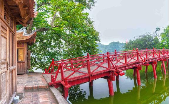 Huc bridge spanning the Ngoc Son temple