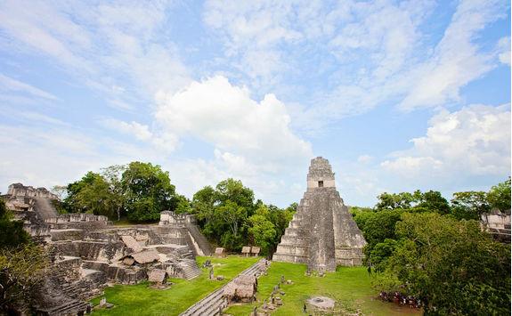 pyramids tikal